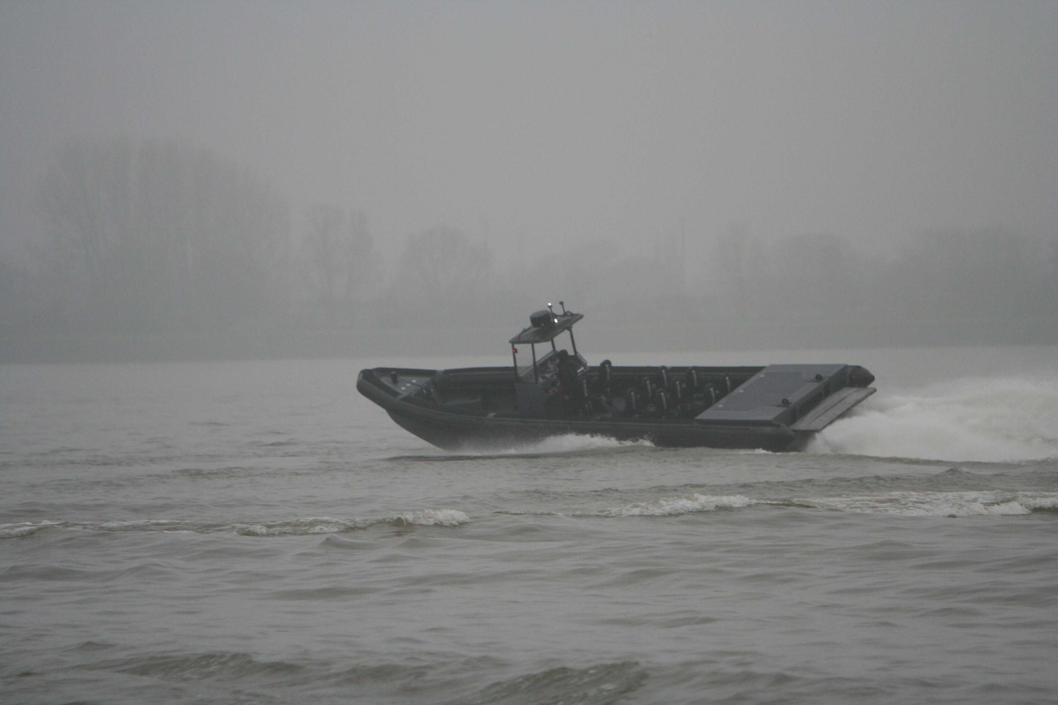 https://www.m-ribs.eu/wp-content/uploads/MRCD1250-Military-3-x-315HP-720x340.jpg